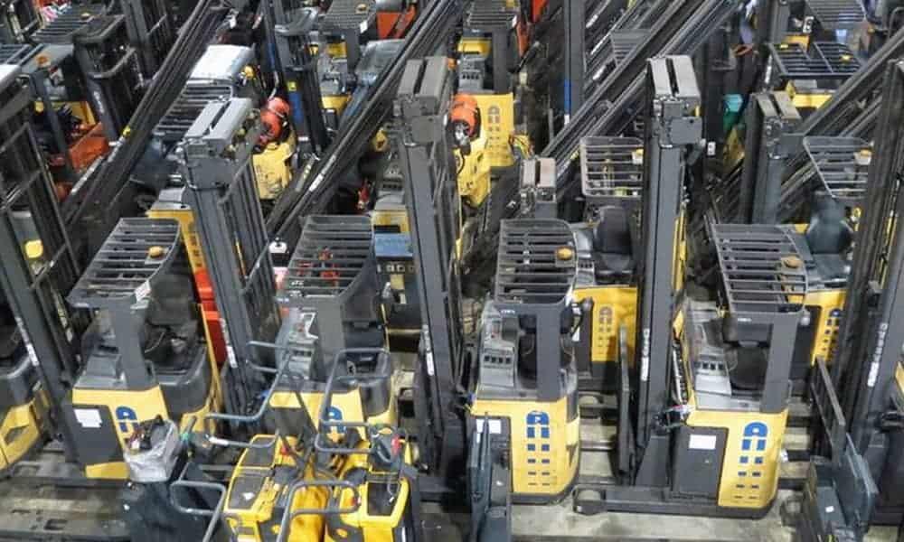 Reach trucks from Matrix Handling F